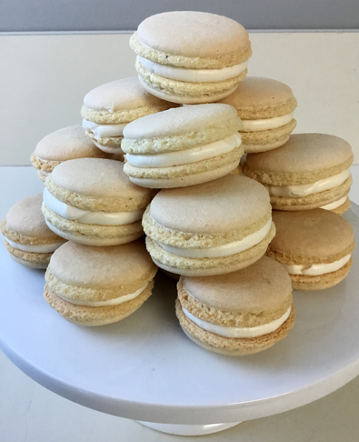 Fremch macarons with vanilla buttercream and caramel filling